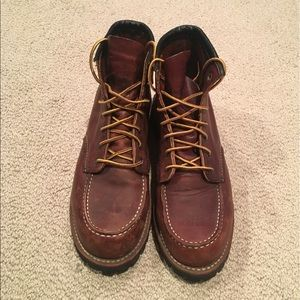 Red Wing Heritage Roughneck Boots.  SZ 8.5 D